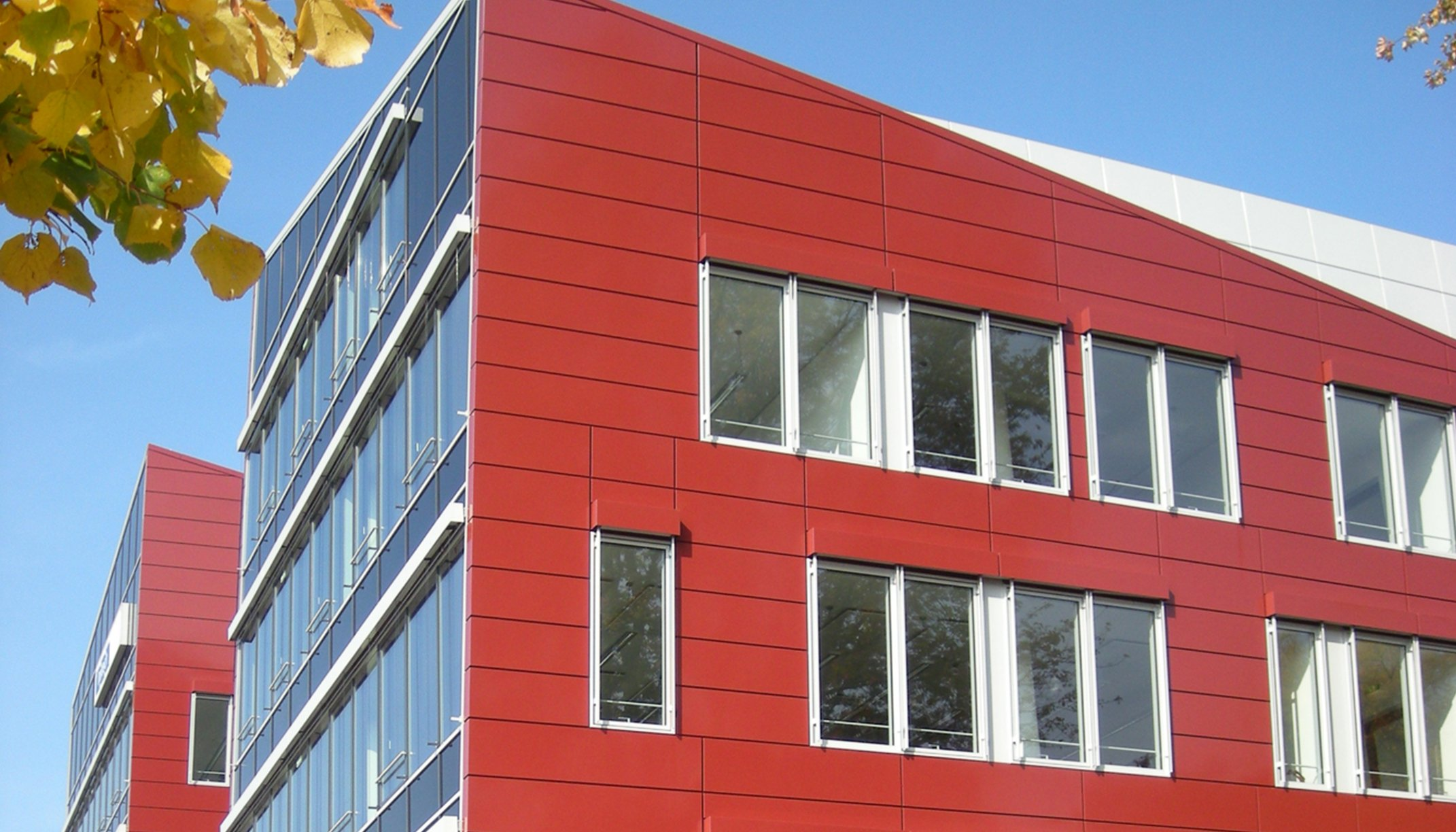 """Grafenberger Höfe""; back ventilated rainsceen facade made of aluminum and stainless steel"