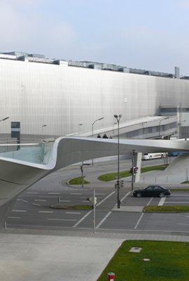 "Square view ""BMW Welt""; ecological metal facade"