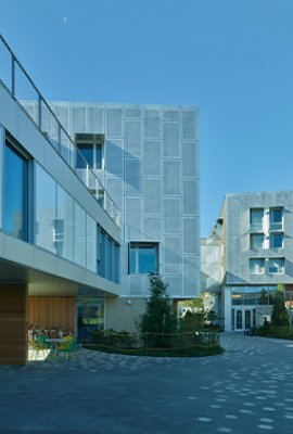 "Square view ""Amherst Collage""; Aluminum facade concept"