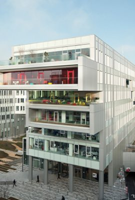 "Squareview ""Campus SFR""; Facade design with POHL Duranize Neurtal and Champagne"