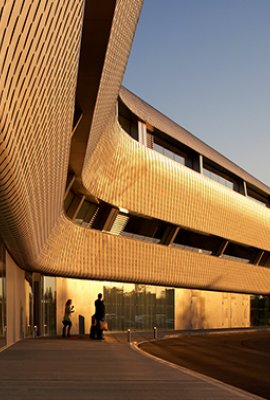 """Farnborough Airport""; incomparable facade surface by POHL"